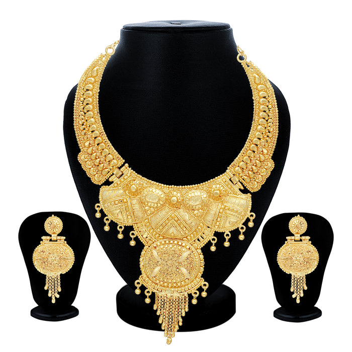 Sukkhi Brilliant 24 Carat Gold Plated Choker Necklace Set for Women