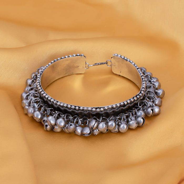 Sukkhi Amazing Oxidised Bracelet for Women