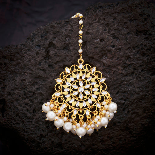 Sukkhi Charming Kundan Pearl Gold Plated Maangtikka For Women