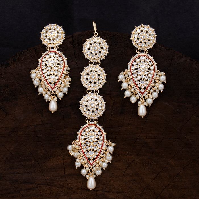 Sukkhi Resplendent Gold Plated Kundan & Pearl Earring Mangtikka For Women