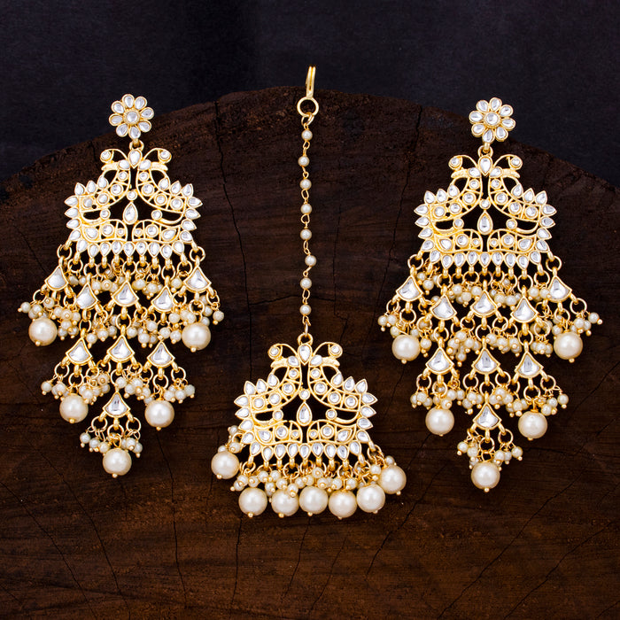 Sukkhi Stunning Gold Plated Kundan & Pearl Earring Mangtikka For Women