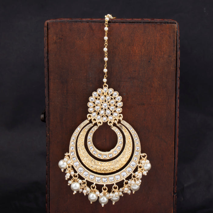 Sukkhi Cheerful Gold Plated Kundan & Pearl Mangtikka For Women