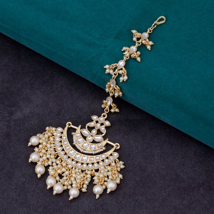 Sukkhi Trendy Chandbali Gold Plated Kundan & Pearl Mangtikka For Women