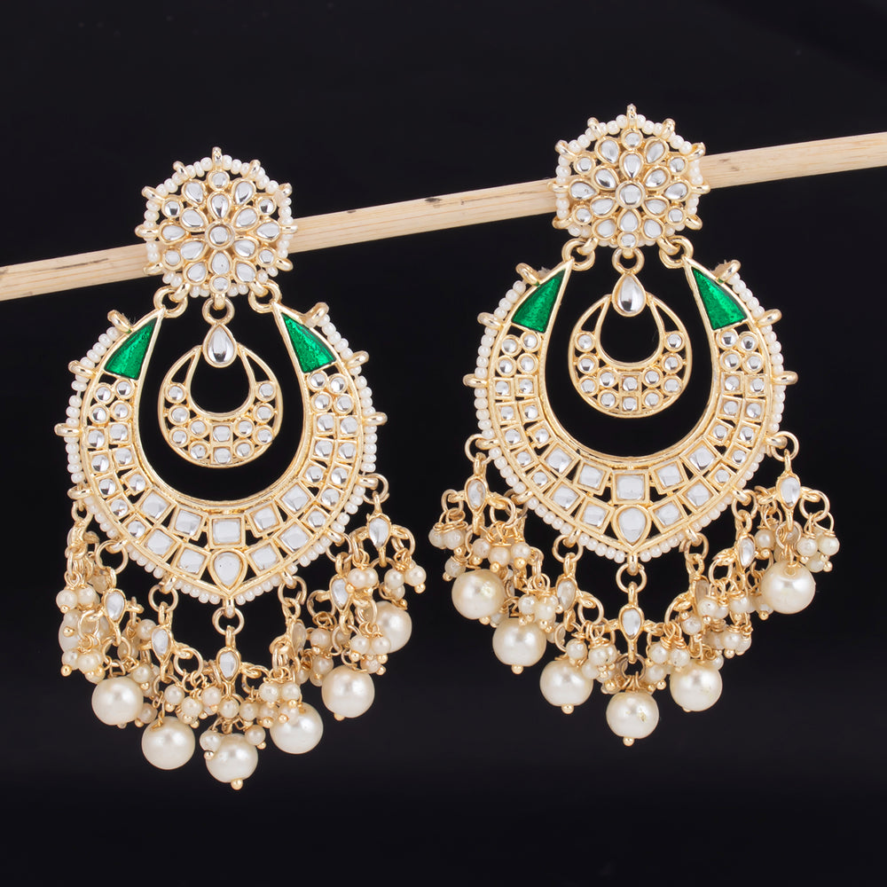 Sukkhi Distinctive Gold Plated Kundan & Pearl Chandbali Earring For Women