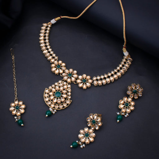 Sukkhi Bewitching Gold Plated Choker Kundan Pearl Necklace Set with Maangtikka for Women