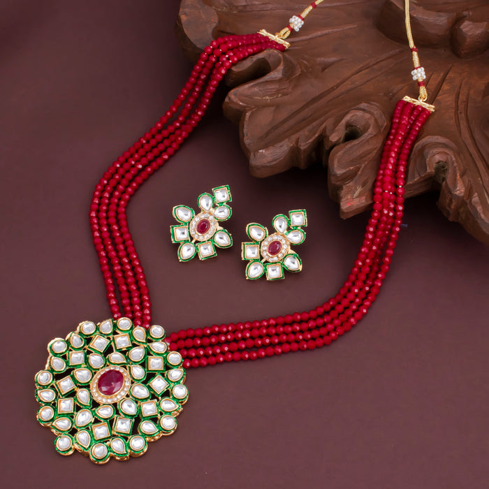 Sukkhi Attractive Kundan Pearl Gold Plated Choker Necklace Set for Women