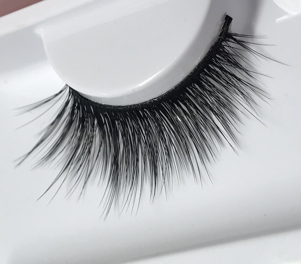 Land of Lashes Enchant Faux Mink Lashes - Klasha
