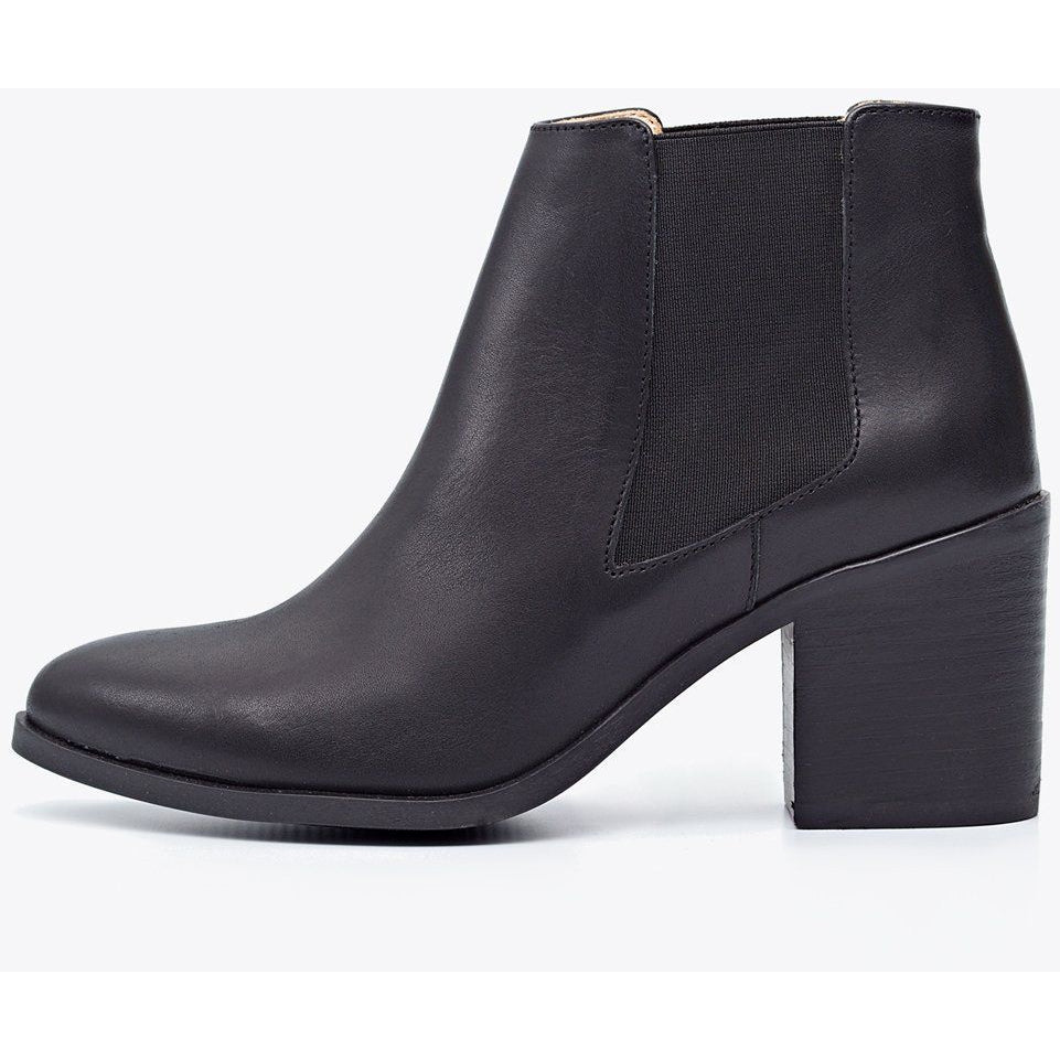 Heeled Chelsea Boot Black