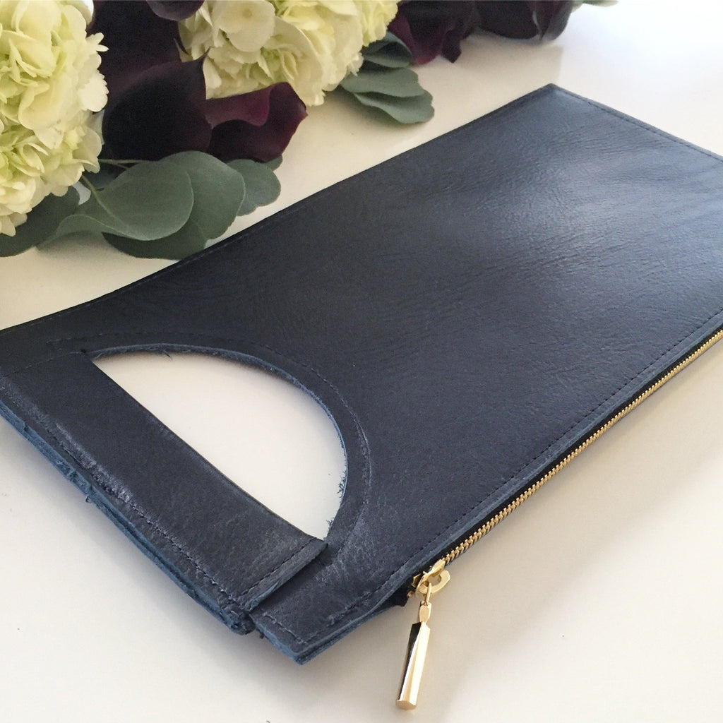 Cary Clutch (Navy)