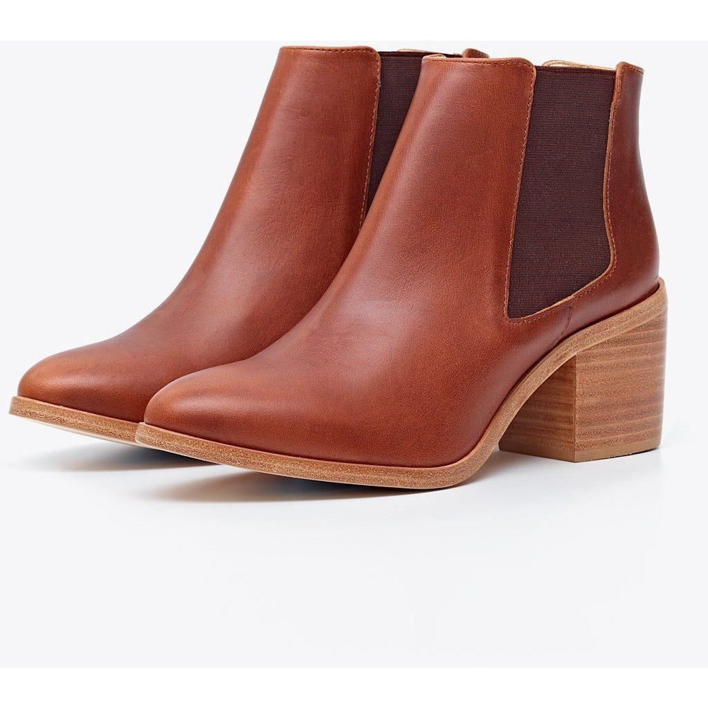 Heeled Chelsea Boot (Brandy)