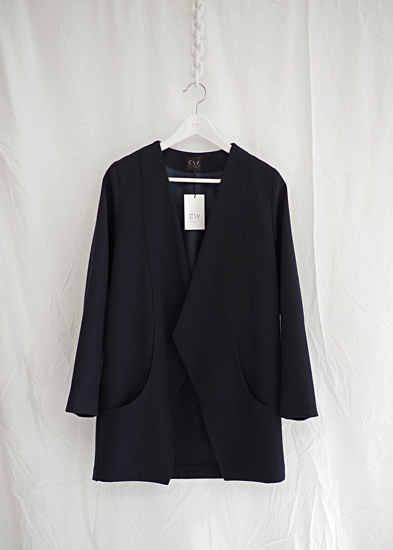 Zurich Jacket Midi Navy - Corvera Vargas berlin conscious fashion brand. Zurich Jacket Midi Navy for women.