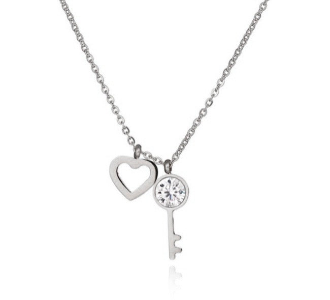 'KEY-TO-HEART' Necklace Silver