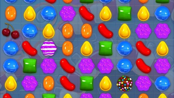 popular ios game candycrush home screen