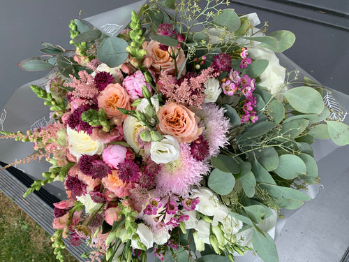 Delux Gift Bouquet
