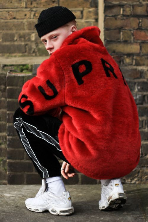 Red Sweater Streetwear