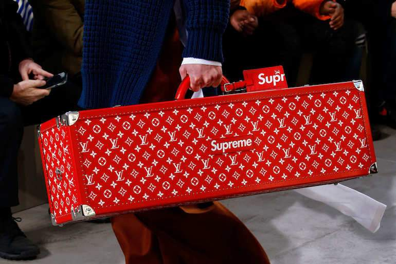 LV Supreme case streetwear red