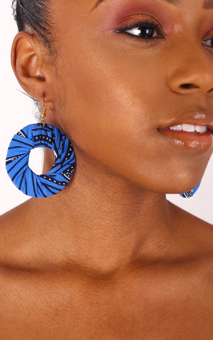 Leylah Small Hoop Earrings - House of Amara