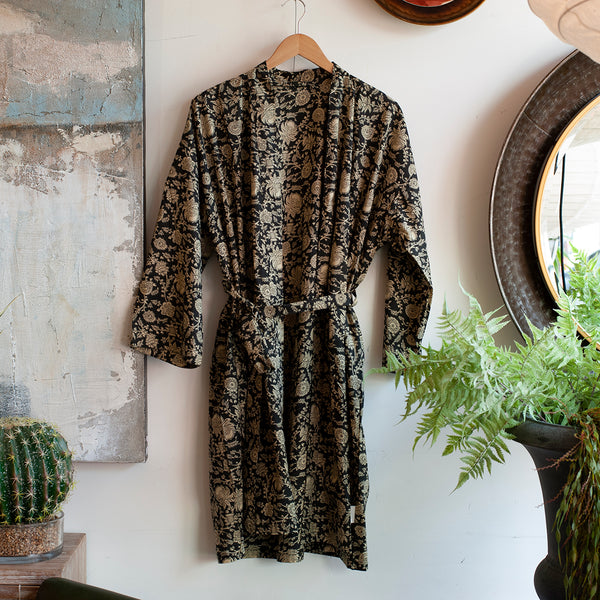 monochrome printed robe