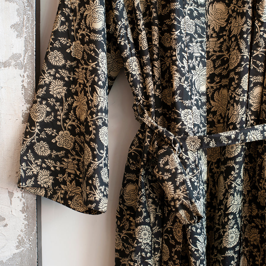 monochrome printed robe floral design