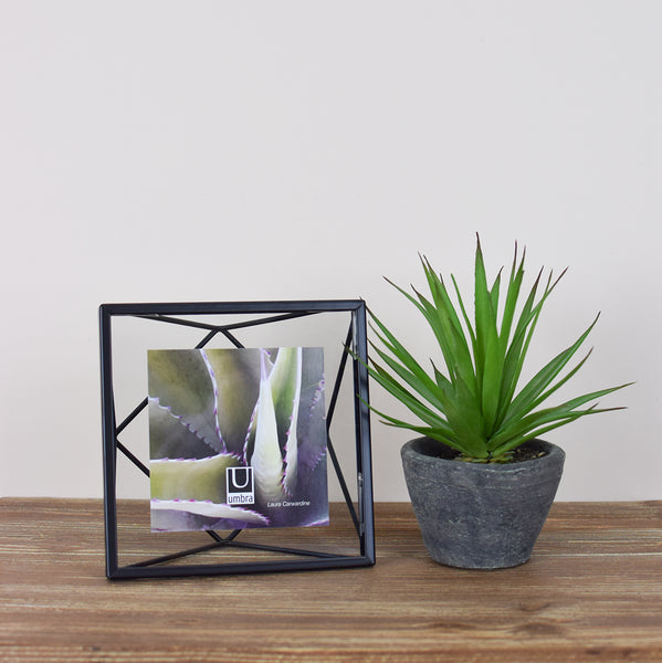 square metal picture frame