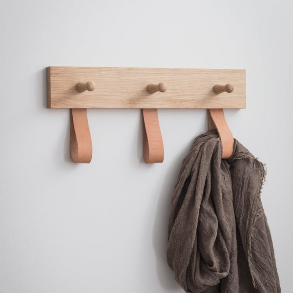 wood peg rail