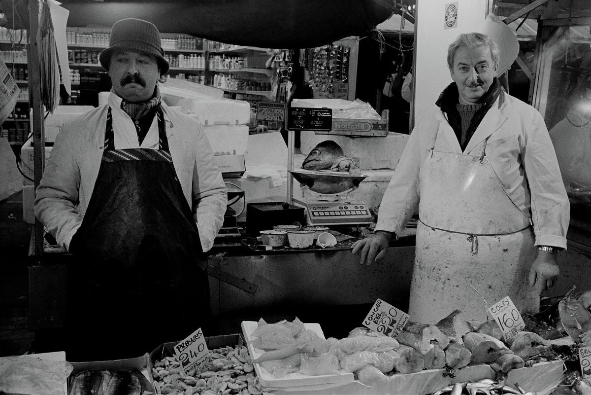 Fishmongers stall, Ridley Road Market, Dalston, January 1989