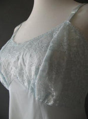 Vanity Fair Full Slip 50s 60s Vintage New Old Stock Lace Crystal Pleats S Nylon