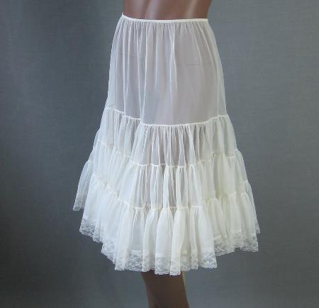 vintage 1960s full skirt soft nylon crini