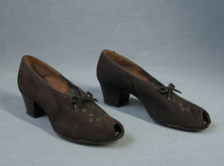 Vintage Shoes 30s Heels Peeptoe New Old Stock Suede Details 7