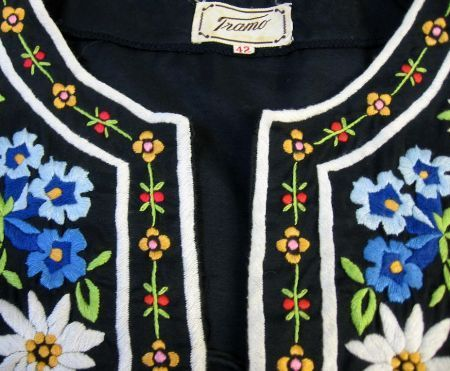 70s Hippie Top Blouse Embroidered Vintage Boho Tunic S M