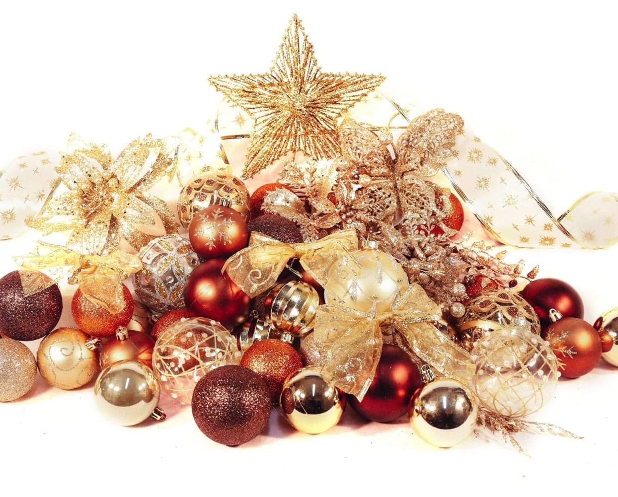 4ft Copper and Gold Classic Christmas Tree Decoration Set from Pines and Needles