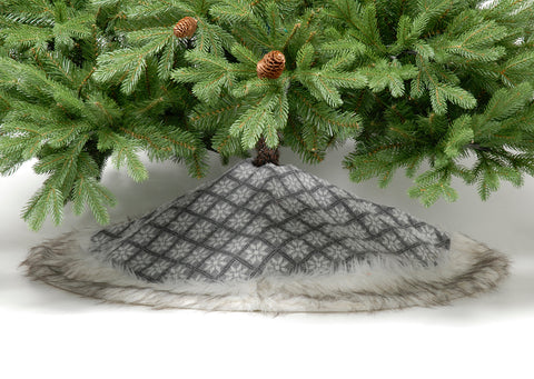 Fair Isle Pattern Tree Skirt, Grey and White 100cm