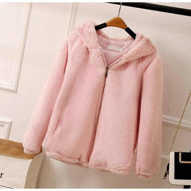 YAGENZ Cardiga Faux Fur Jacket Fashion Winter Coat Women Fur Coats Ladies Hooded Faux Fur Coats Shorts Coat Female Pink Top 689