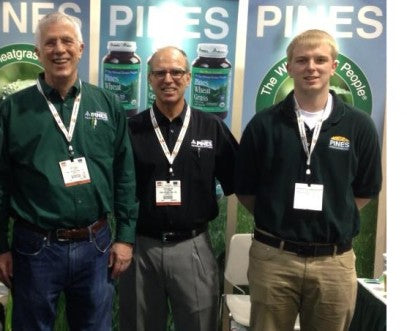 Ron, Steve and Steve's son, Skyler, at a trade show in 2013.