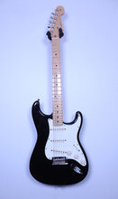 2012 Fender Stratocaster USA (Black/Maple Neck)