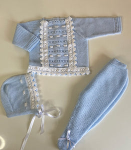 Blue  knit set (includes bonnet) 580