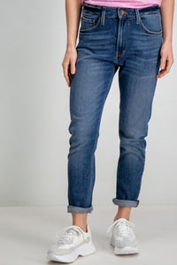 Elina Tapered Jean in Dark Wash