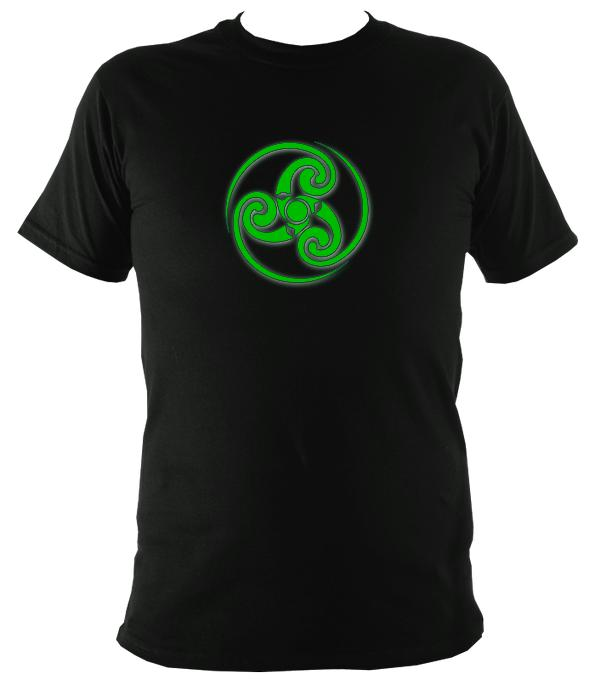 Green Swirly Style Celtic Tribal Spiral T-Shirt - T-shirt - Black - Mudchutney