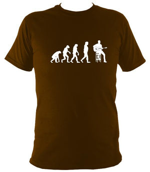 Evolution of Guitar Players T-shirt - T-shirt - Dark Chocolate - Mudchutney
