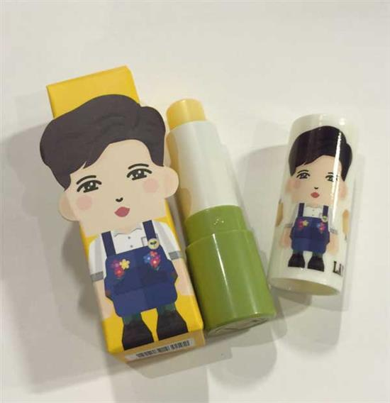 <strong>엑소 레이 | EXO LAY</strong><br/>PAPER TOY<br/>LIP BALM / MANGO