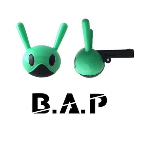 <strong>비에이피 | B.A.P</strong><br/>OFFICIAL WHISTLE<br/>VER.3