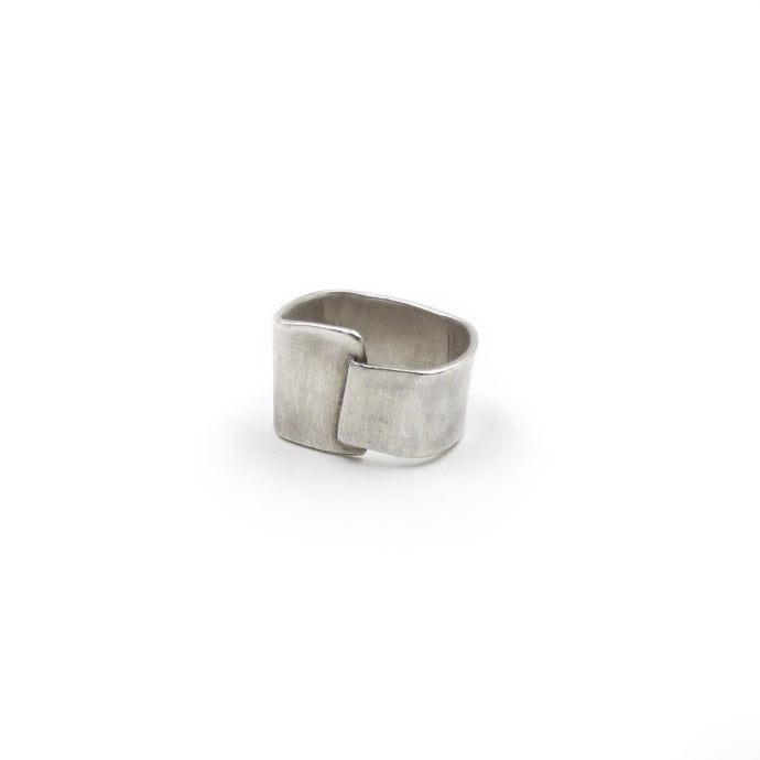 Overlap Ring: Sterling Silver