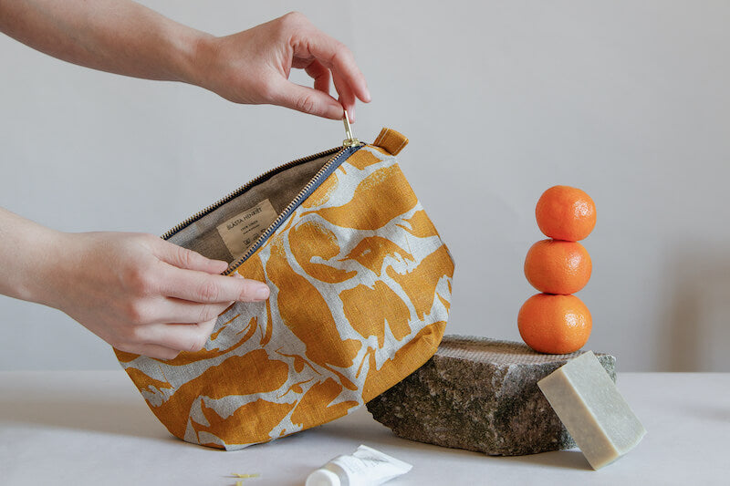 Wash Bag from Blasta Henriet being used