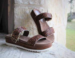 Load image into Gallery viewer, Tan/Leo Double Strap Sandal