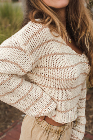 Load image into Gallery viewer, Caly Sweater - Natural Light Side View