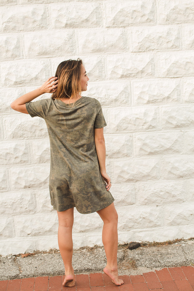 Load image into Gallery viewer, Camo Print Jersey T-Shirt Dress