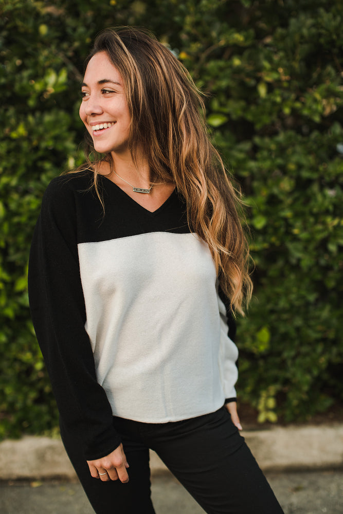 Load image into Gallery viewer, Color Block Dolman Sweater