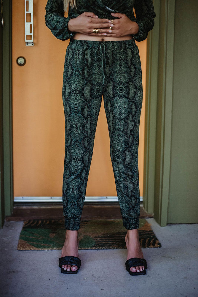 Load image into Gallery viewer, Jogger Pant w/ Adjustable Tie Waist
