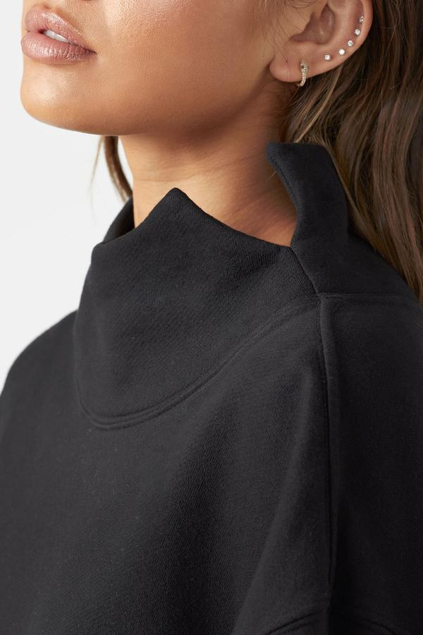 Oversized Turtleneck Sweatshirt - Black - Neck View