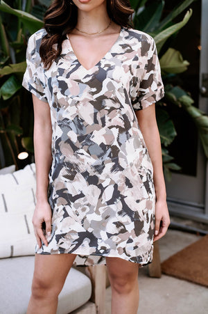Load image into Gallery viewer, Short Sleeve Shift Dress